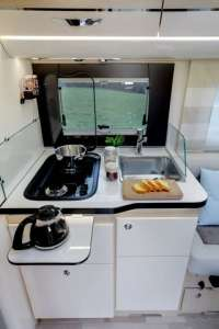 belle cuisine camping-car intégral 7,21m